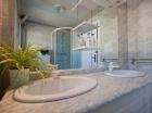 Bathroom Central Chalet